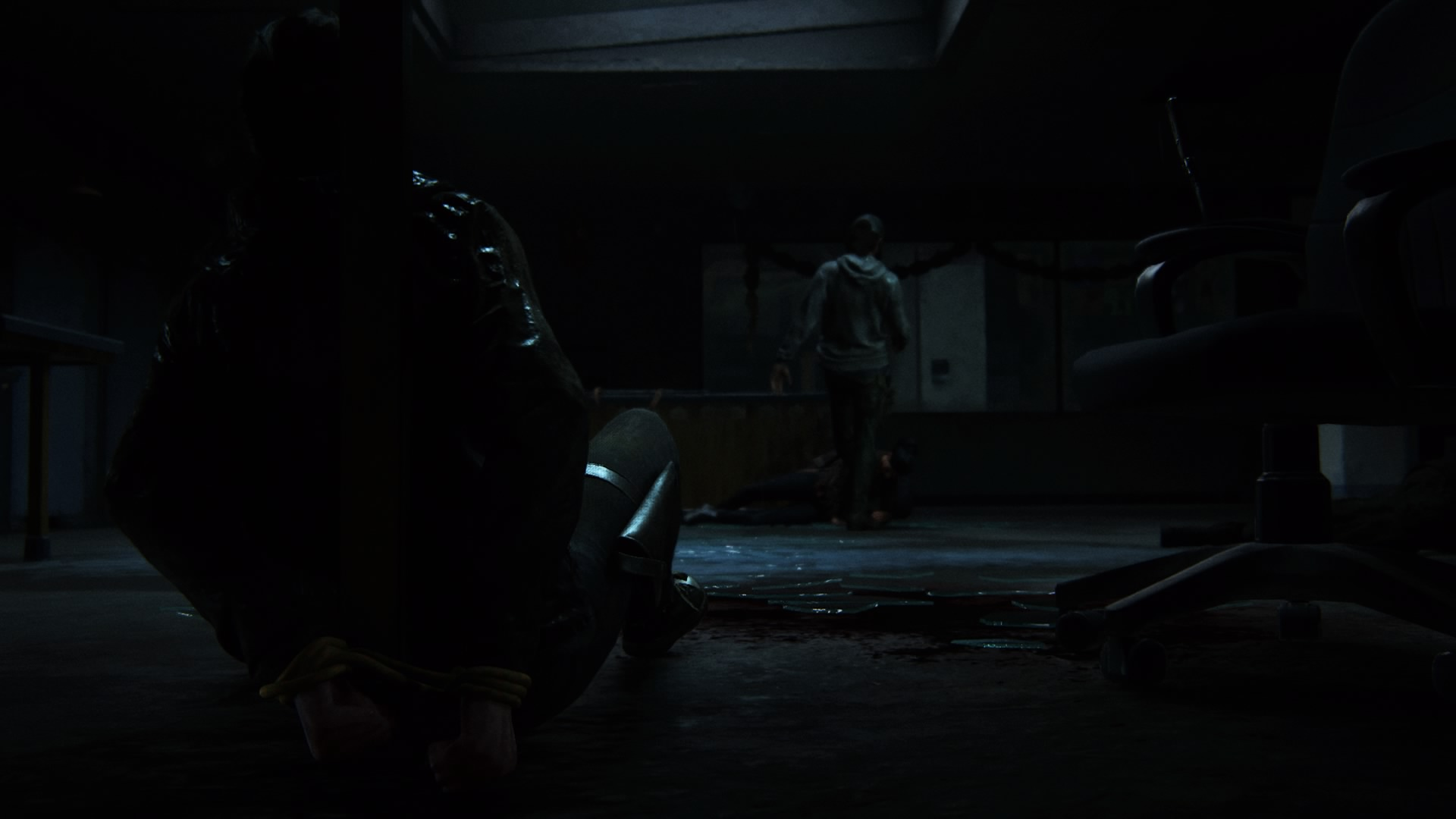 ... Als Dina Ihn Killt Und Dabei Ins Zimmer Fällt Und Von Jordan Attackiert Wird.