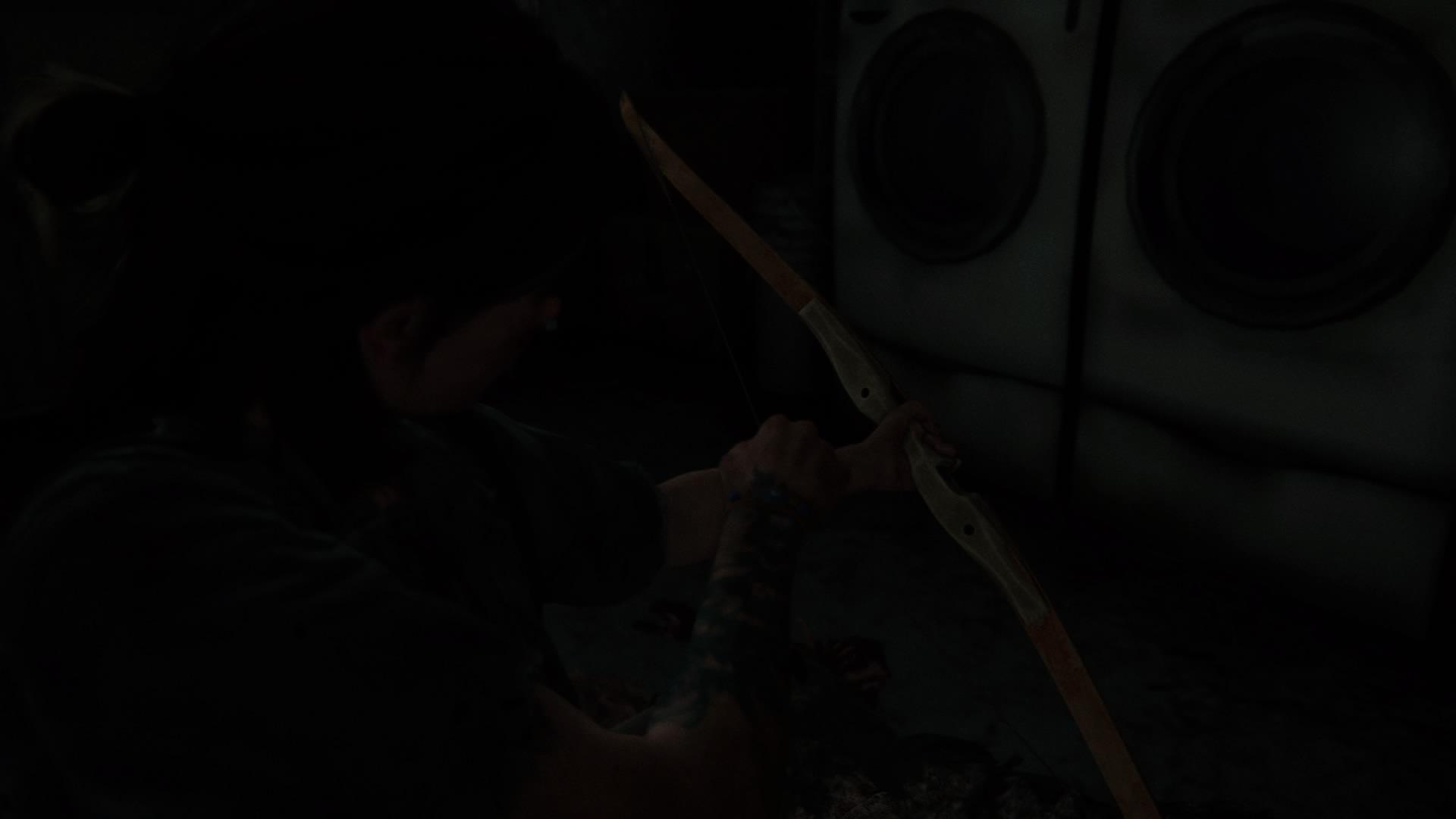 Ellie Bekommt Nach Einem Zweikampf Mit Einem Infizierten Den Bogen.