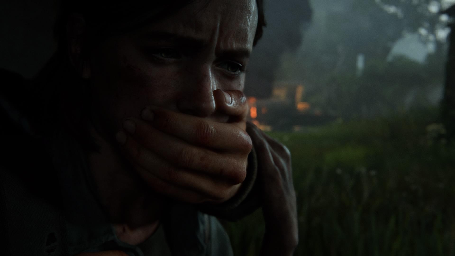 Eine Unbekannte Hand Packt Ellie Um Sie Still Zu Halten.