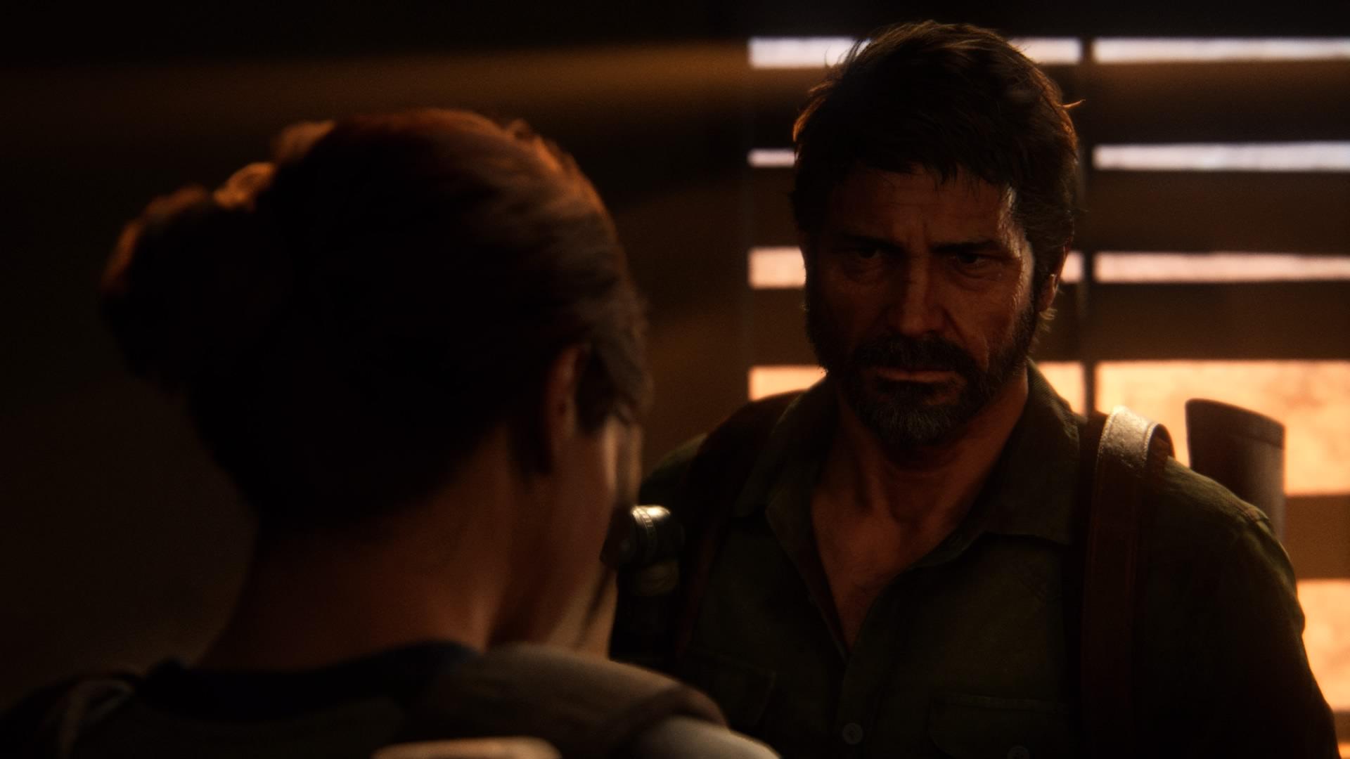 Ellie Will Mit Joel über Ihre Firefly-OP Reden, Doch Joel Weicht Ihr Aus.